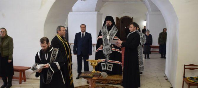 Молебен в Богоявленском кафедральном соборе г.Галича перед инаугурацией главы городского округа Галич