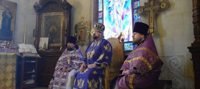 Божественная литургия в Никольском храме поселка Кадый в субботу первой седмицы Великого Поста