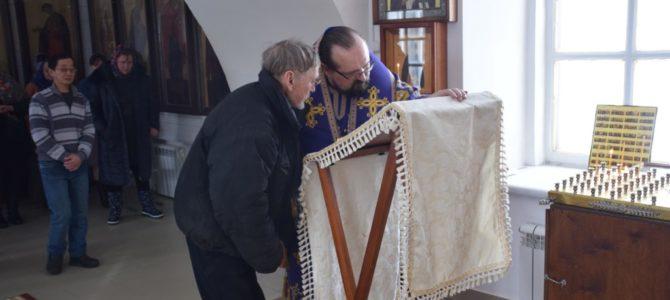 Божественная литургия иерейским чином на архиерейском подворье села Умиление
