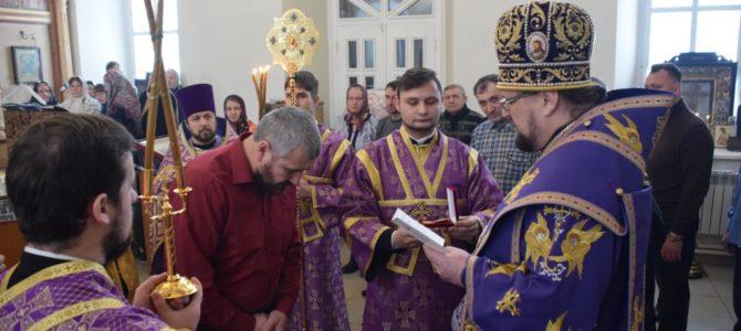 Божественная литургия в храме Воскресения Христова поселка Судай