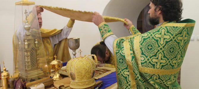 Божественная литургия в Богоявленском кафедральном соборе города Галича в Неделю 2-ую по Пятидесятнице