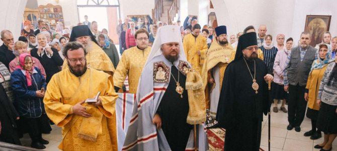 Архипастыри Костромской земли совершили соборное богослужение в храме Спиридона Тримифунтского города Нея
