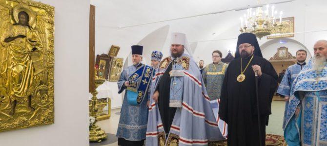 Престольный праздник Знаменского женского монастыря города Костромы