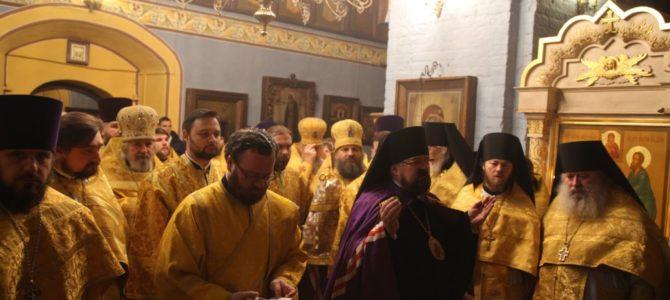 Соборное богослужение в день третьей годовщины образования Галичской Епархии