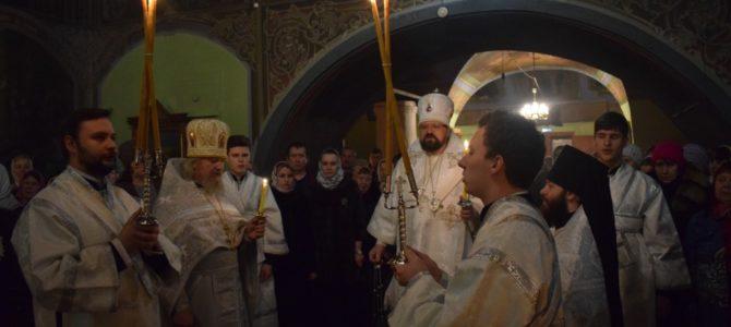 Ночное Рождественское богослужение в храме Рождества Христова города Макарьев