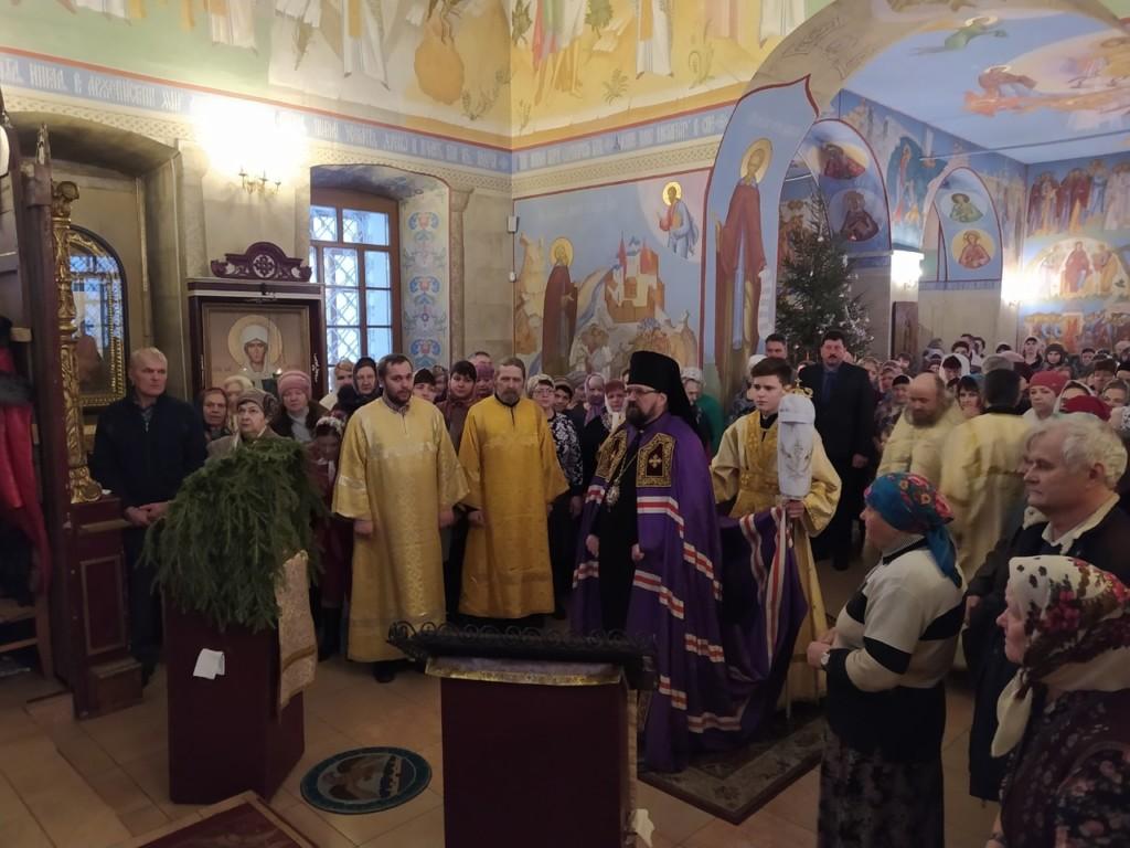 Неделя 30-ая по Пятидесятнице. Божественная литургия в храме святителя Николая поселка Кадый