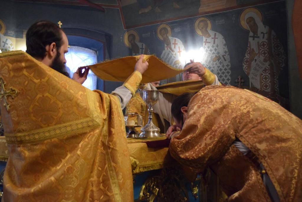 Архиерейское богослужение в Введенском соборе г.Галича в Неделю о Страшном Суде