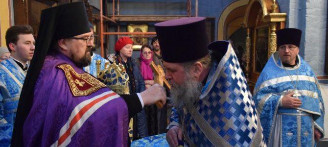 Праздник Иверской иконы Божией Матери в Успенском соборе Паисиево-Галичского женского монастыря