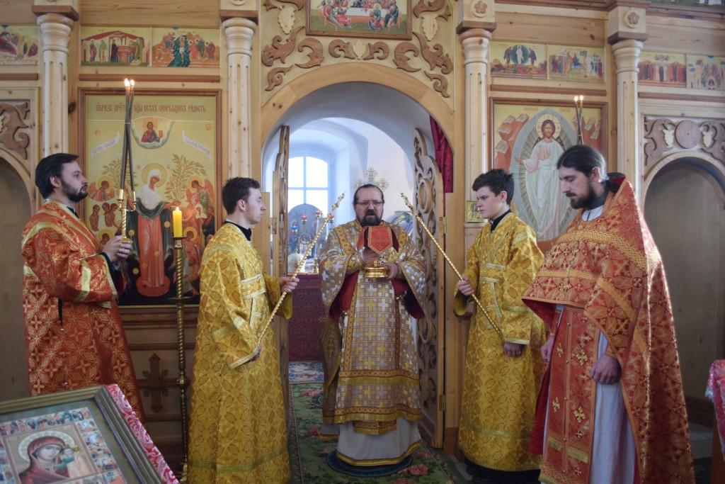 Неделя о мытаре и фарисее. Архиерейское богослужение в храме Воскресения Христова поселка Судай
