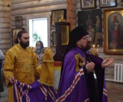 Архиерейское богослужение в Неделю 36-ю по Пятидесятнице в храме преподобного Геннадия Костромского поселка Антропово
