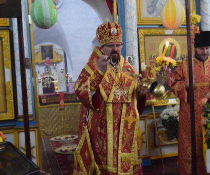 Неделя Фомина, Антипасха. Божественная литургия в храме Косьмы и Дамиана города Галича