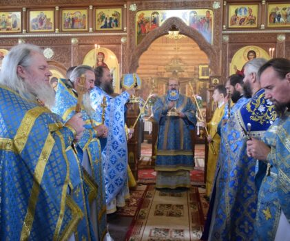 Престольный праздник в храме иконы Божией Матери «Всецарица» г.Мантурово